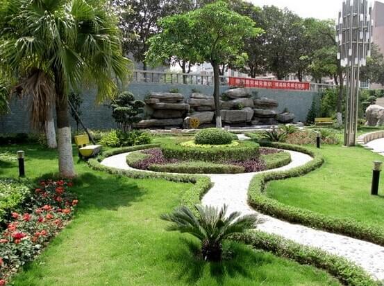 花园式学校园林绿化养护的要求